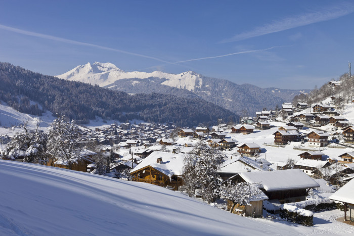 Ski Morzine with Peak Transfer